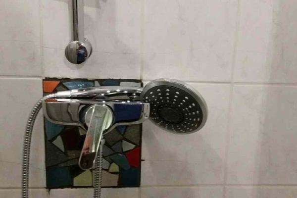 Dusche mit Umkleide