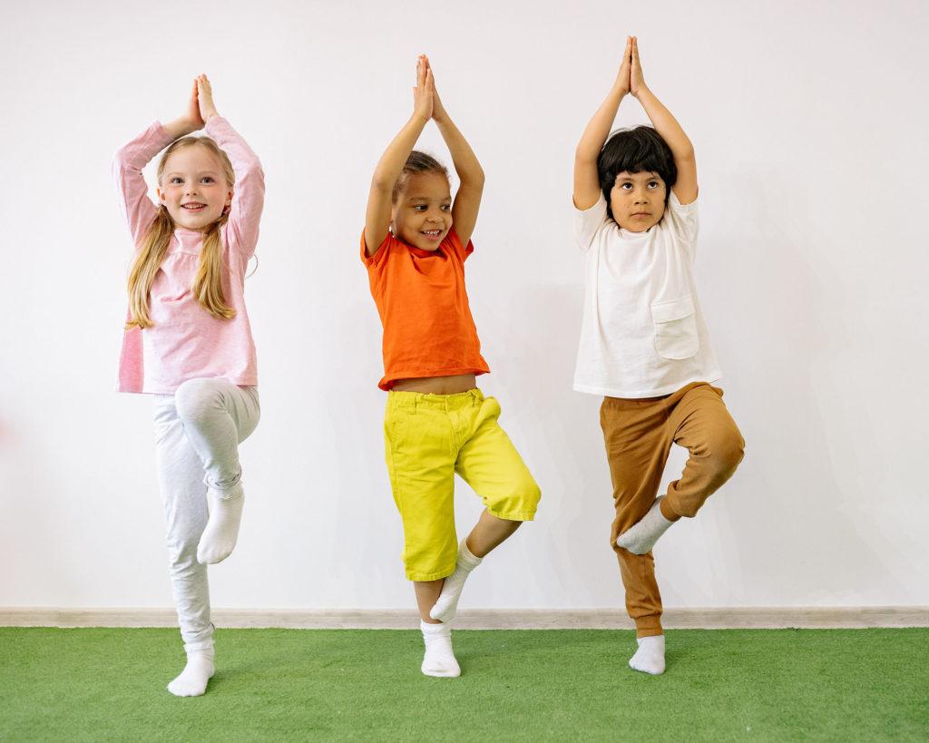 Yoga für Kinder, Baum Asana